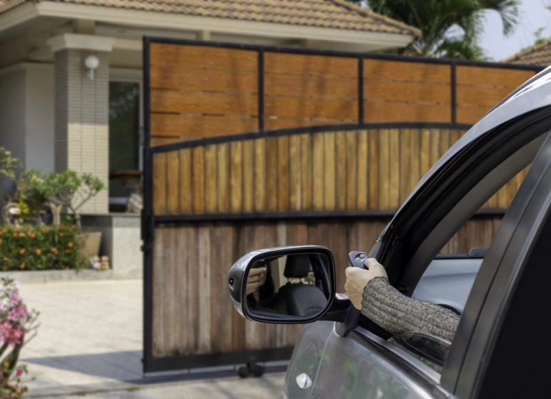 portail bois coulissant